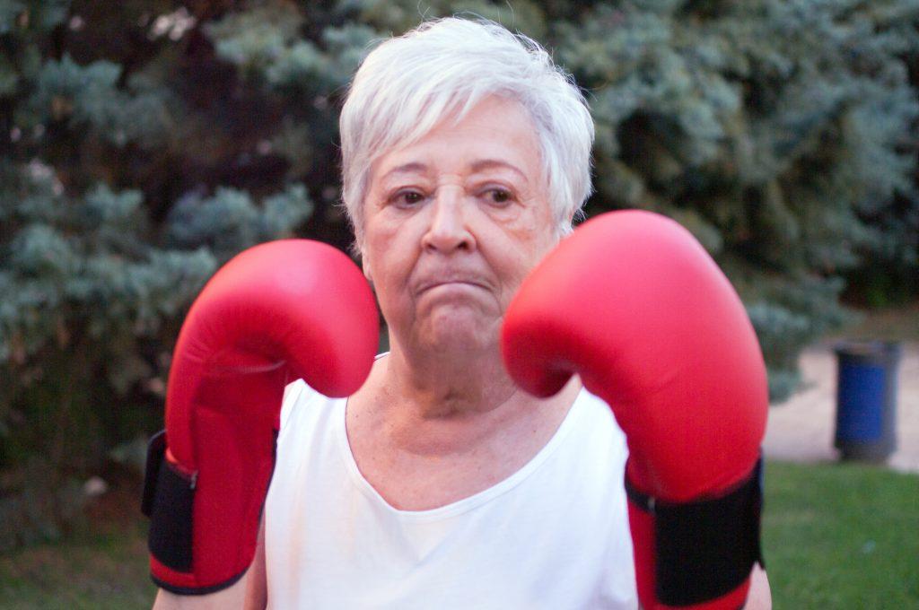 Mujer y mayor: doble discriminación
