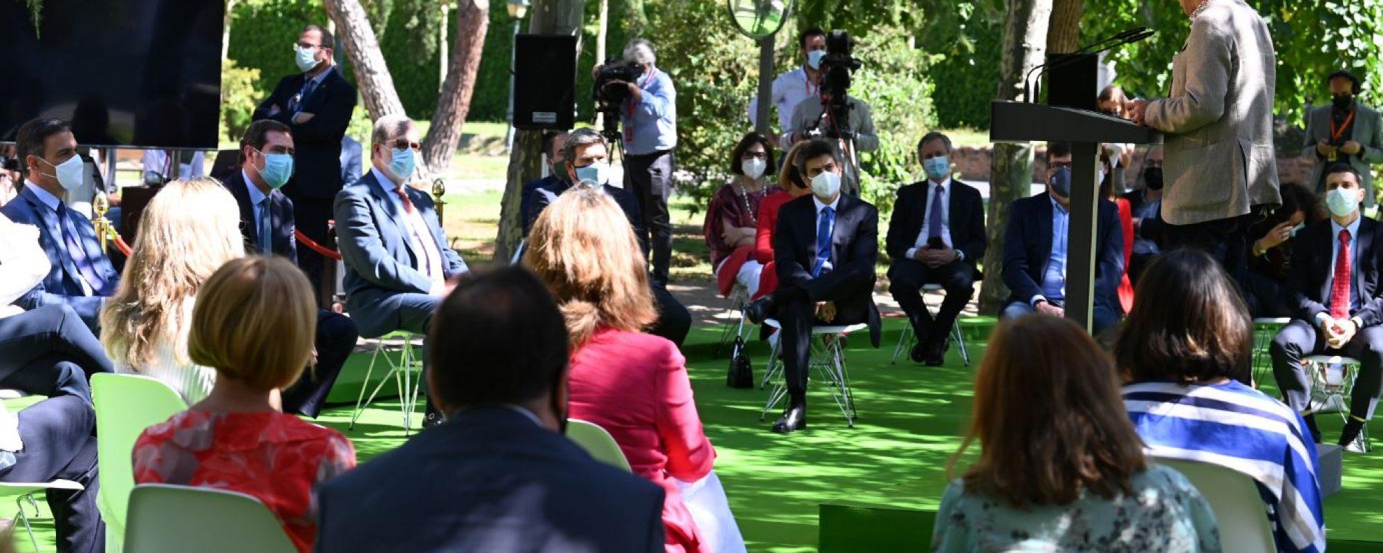 Pepe Álvarez interviene en el acto de firma del acuerdo de pensiones 2021